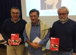 Romano Perrotta presenta il suo libro dedicato a Mario capanna