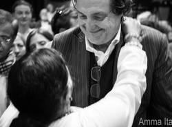 Amma abbraccia Franco Battiato