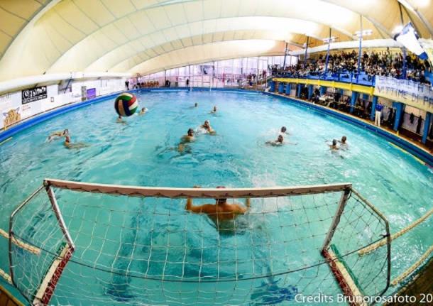 La busto pallanuoto pareggia all 39 esordio in serie c - Zero piscina busto ...