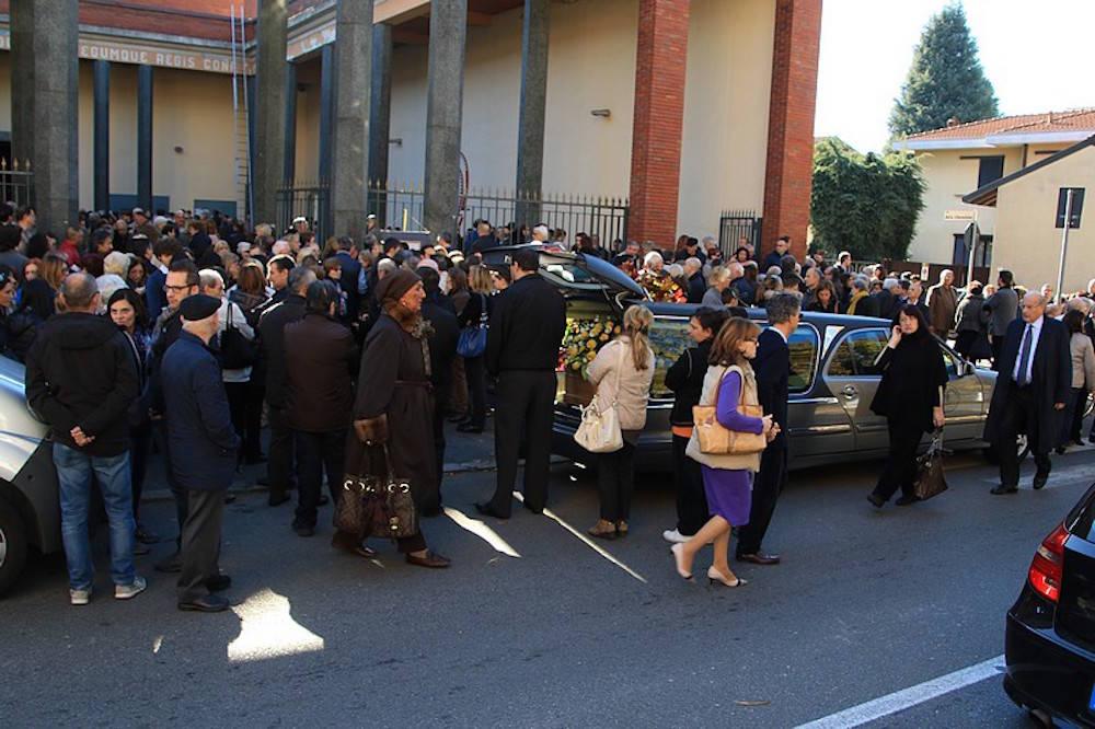 funerale laura occhioni busto arsizio