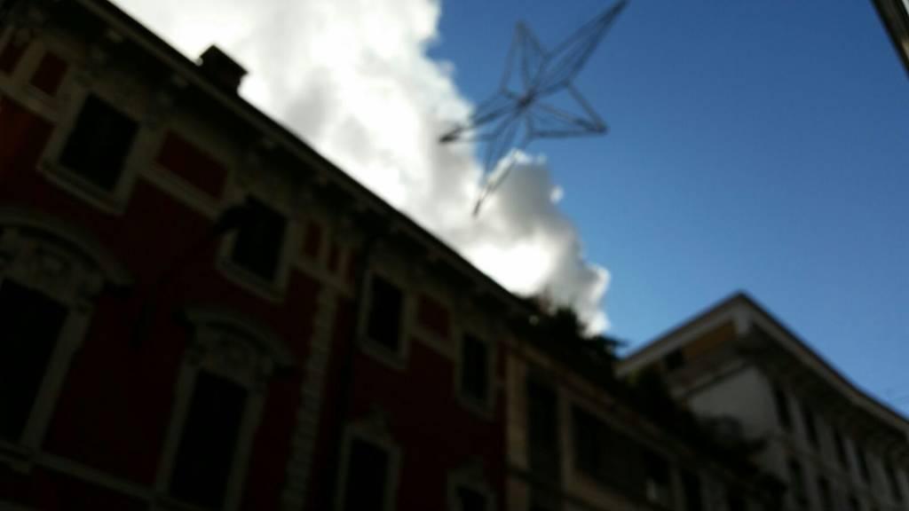Incendio in pieno centro a Varese