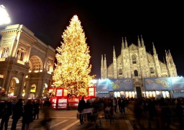 A milano il natale si accende il 3 dicembre - Mercatini varese ...