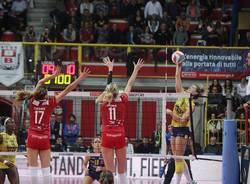 Unendo Yamamay Busto - Imoco Conegliano 3-1 pallavolo serie a1 femminile