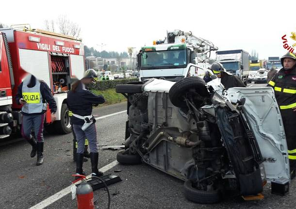 Incidente in A-8, i soccorsi