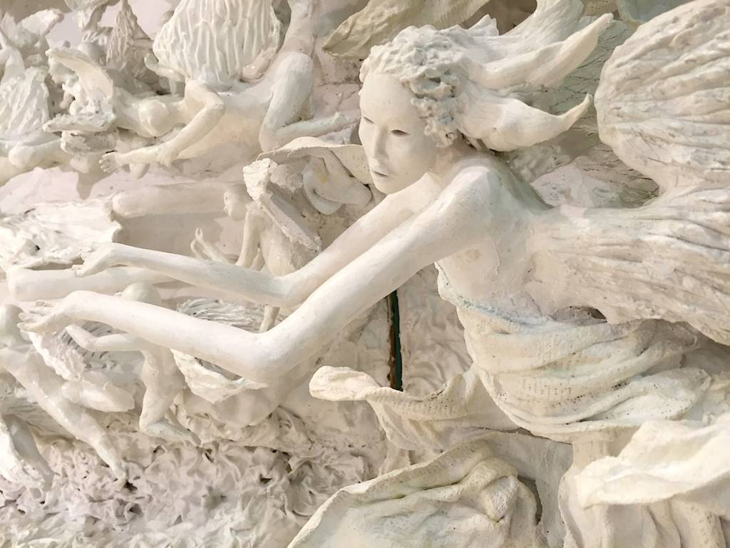 Il presepe di gesso e garze dell'ospedale di Varese