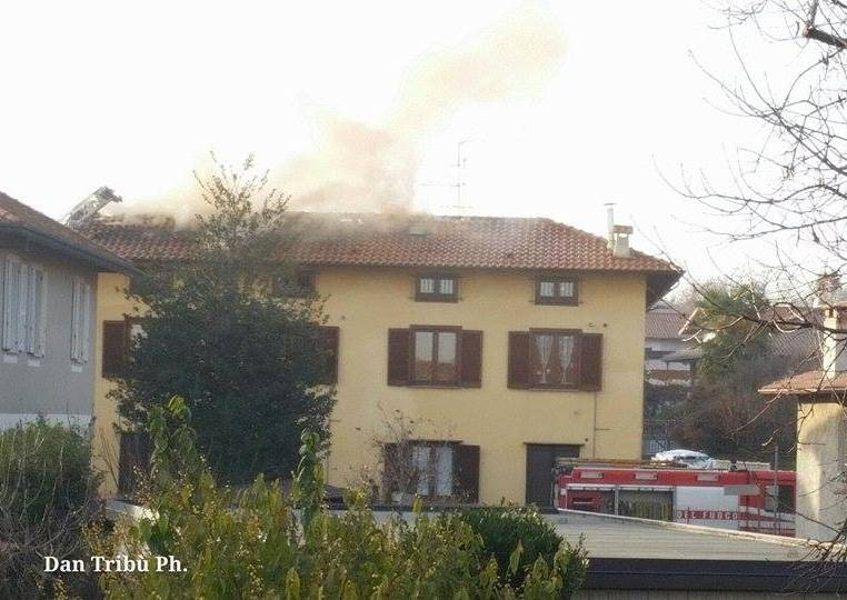 Incendio tetto Arsago Seprio