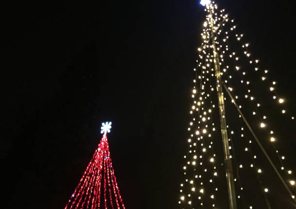 Luci di Natale accese ai giardini Estensi