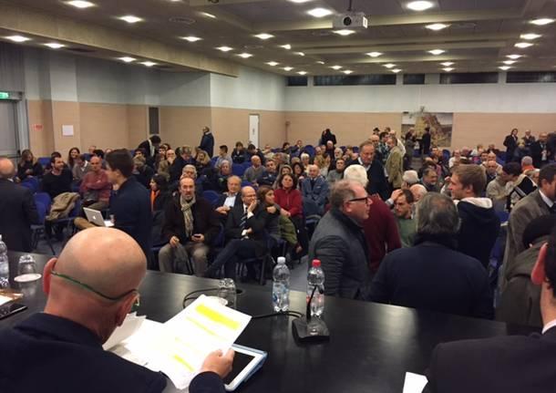Primarie Pd, scandalo votazioni: 4 euro per votare online