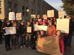 Protesta alle Ada Negri