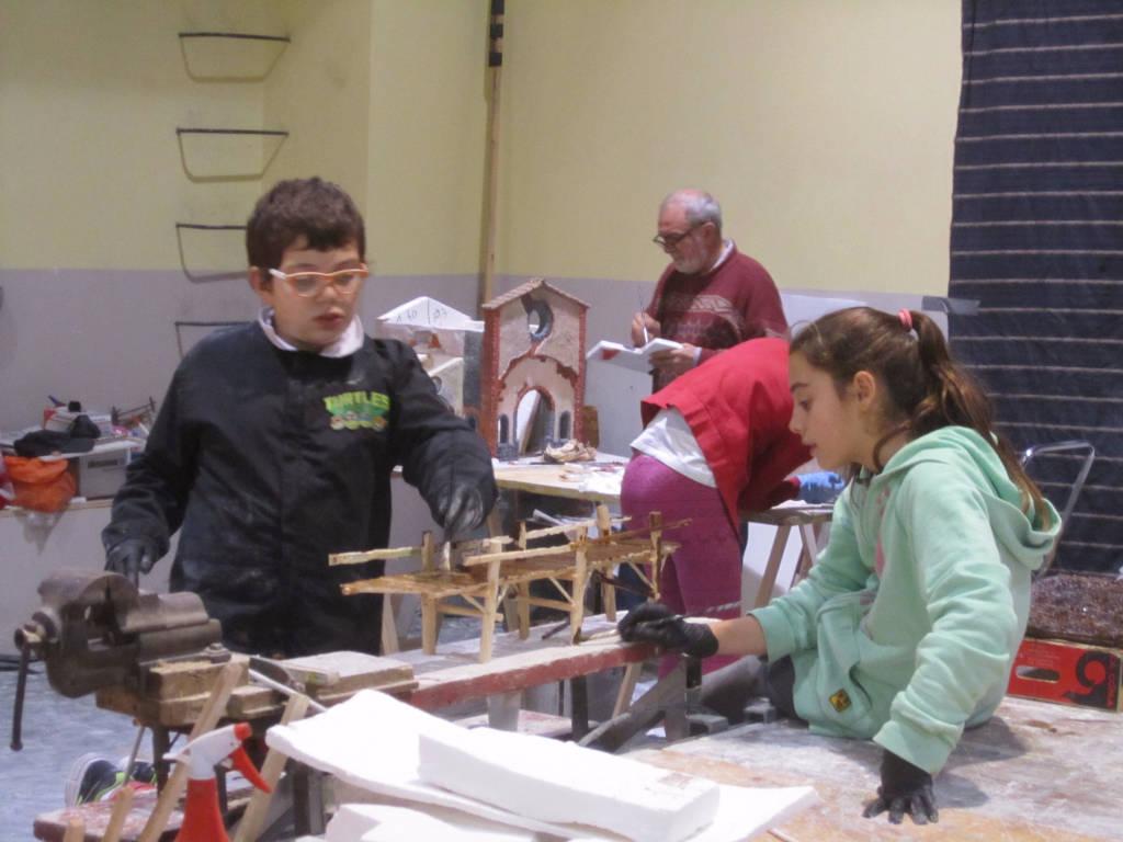 Quaranta studenti coinvolti nella costruzione del presepe di Gazzada Schianno