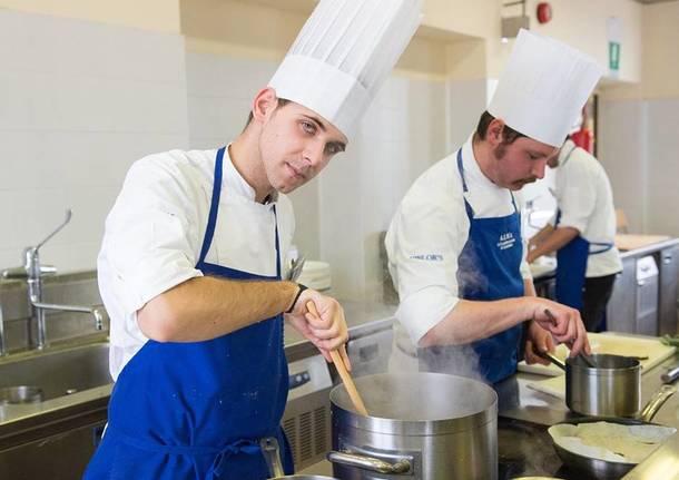Anche un varesino tra i diplomati nella scuola di cucina del maestro marchesi - Alma scuola cucina ...