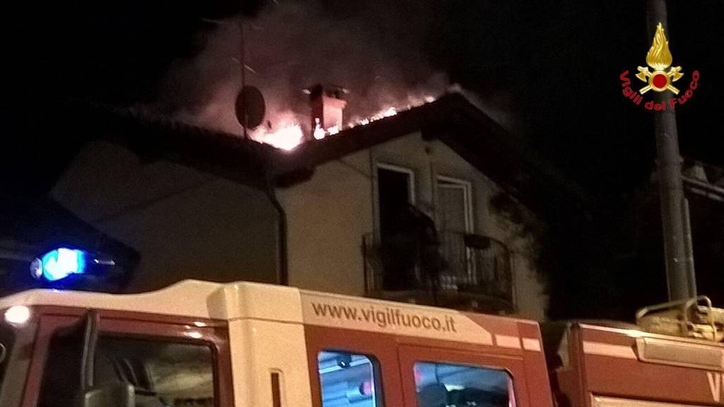 incendio tetto cavaria con premezzo 19 gennaio 2016
