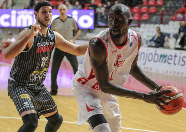 Openjobmetis Varese – Magnofit Guessing 85-81