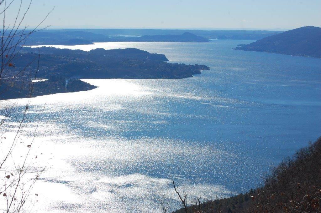 Il lago Maggiore dalla sponda piemontese (Pollino)