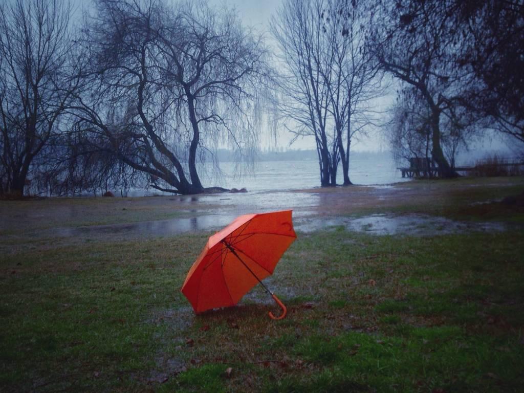 Mattina di silenzi e pioggia