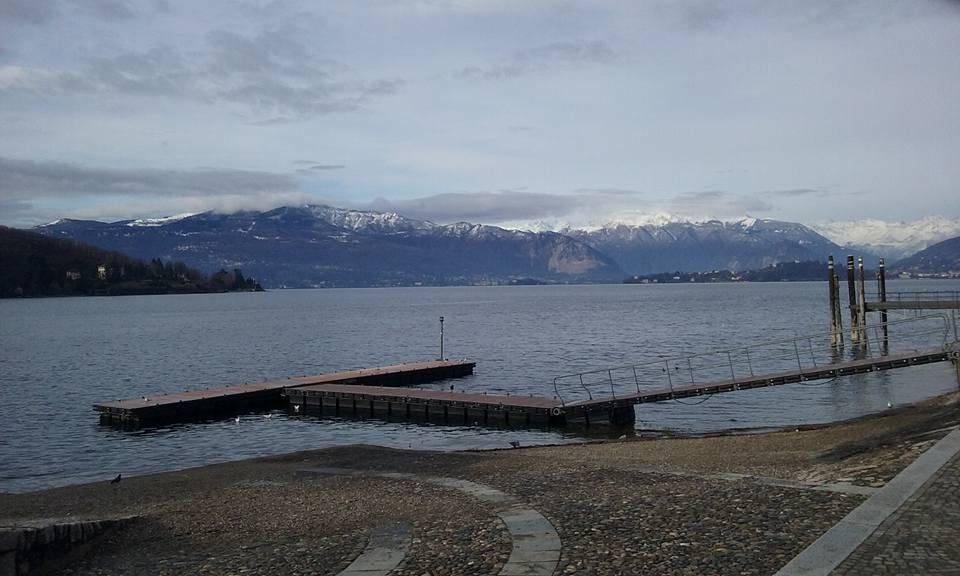 Neve intorno al lago Maggiore