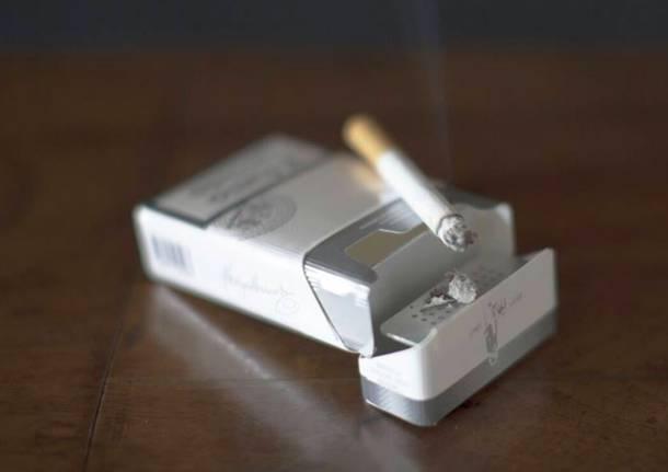 Fumolibero, il pacchetto di sigarette che diventa posacenere