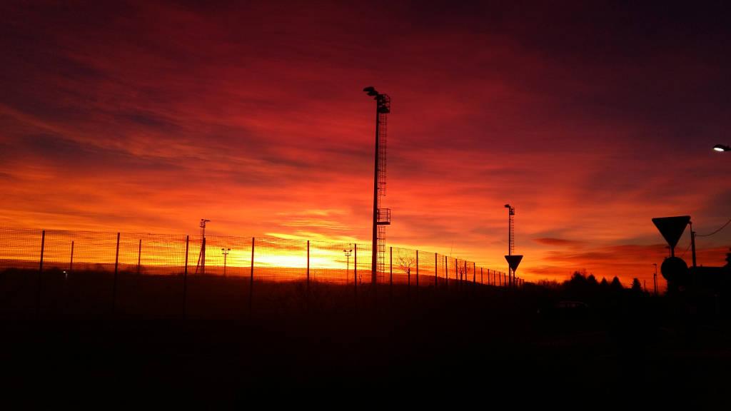 I meravigliosi colori della prima alba di febbraio