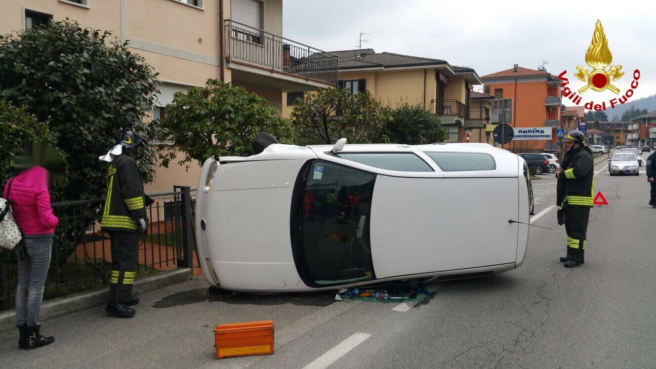 incidente stradale lavena ponte tresa 26 febbraio 2016