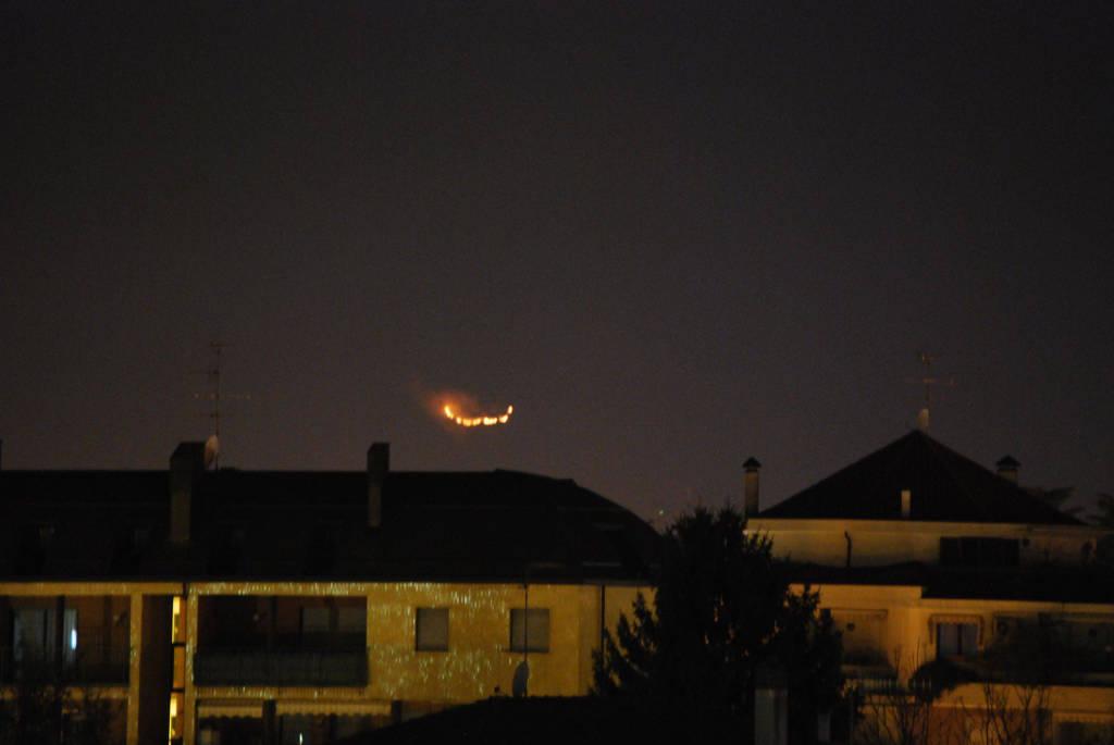 L'incendio in val Vigezzo visto da Busto Arsizio