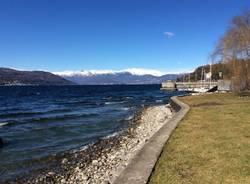 Lago e vento