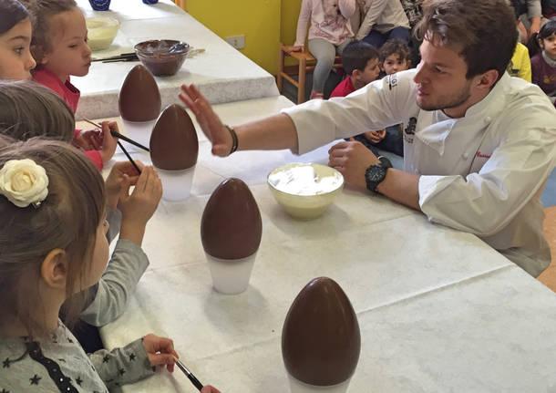 Bimbi mastri cioccolatai alla scuola materna Dalla Chiesa