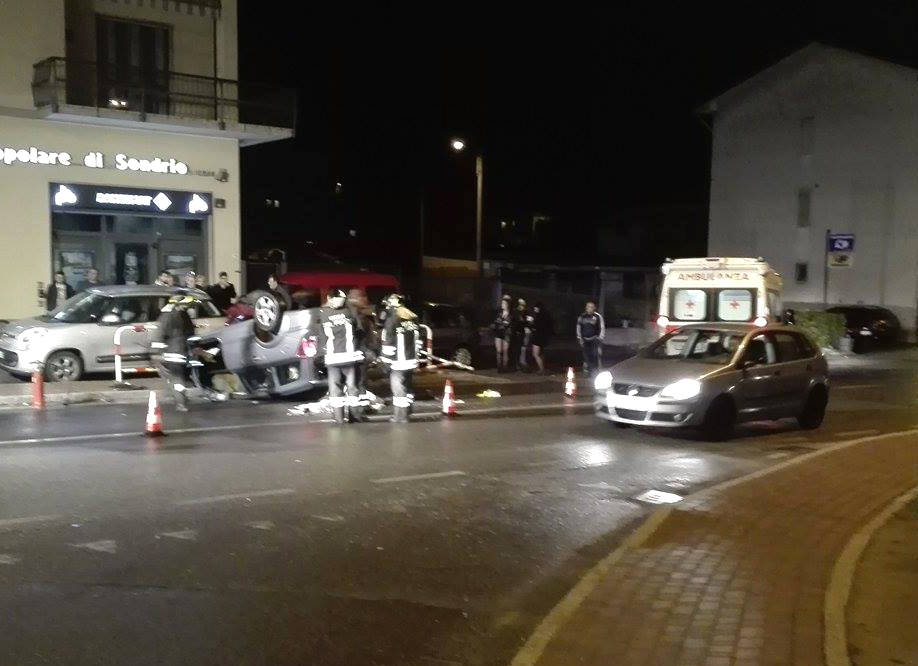 Bisuschio - Incidente stradale - foto di Daniele Beccardi