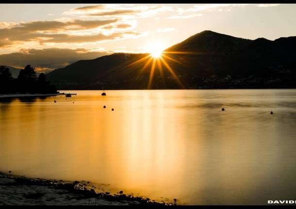 Tramonto dorato sul lago maggiore, da Germignaga