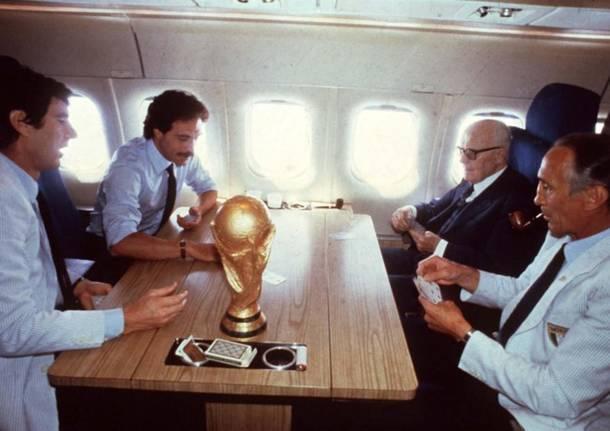 I campioni del mondo con il presidente Pertini a bordo del DC9