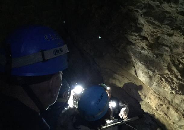 """Grotte di Remeron """"al buio"""""""
