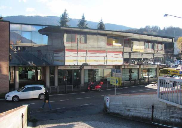 Lavena Ponte Tresa - Centro commerciale Dovrana