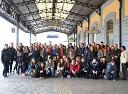 Le fotografie degli studenti in mostra in stazione