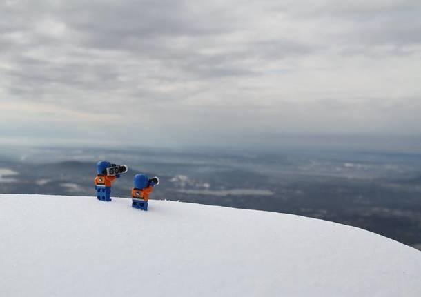 """Omini Lego """"avvistati"""" al Campo dei Fiori"""