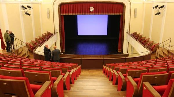 teatro legnano talisio tirinnanzi