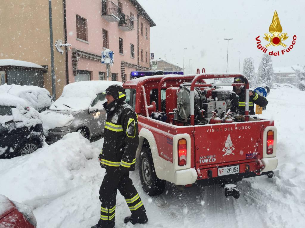 vigili del fuoco neve