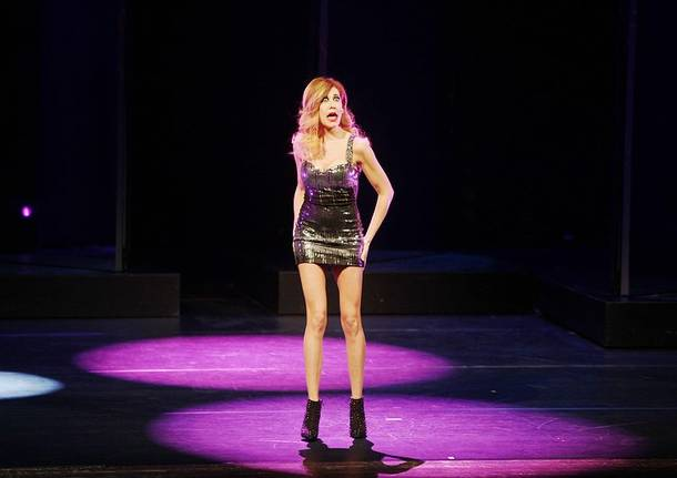 Virginia Raffaele sul palco a Varese