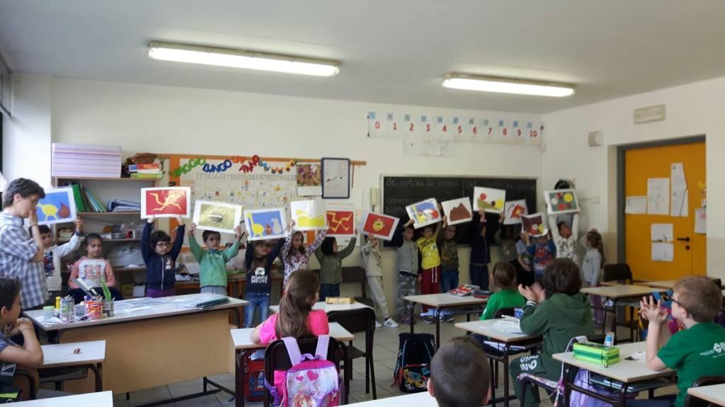 Alunni Gazzada Schianno per giornata mondiale dei libri