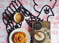 """Bookbreakfast"", le fotografie di Petunia Ollister"