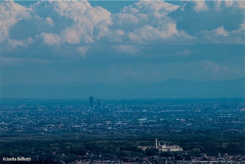 PANORAMA dal Sacro Monte  di Varese a ..MILANO!!!