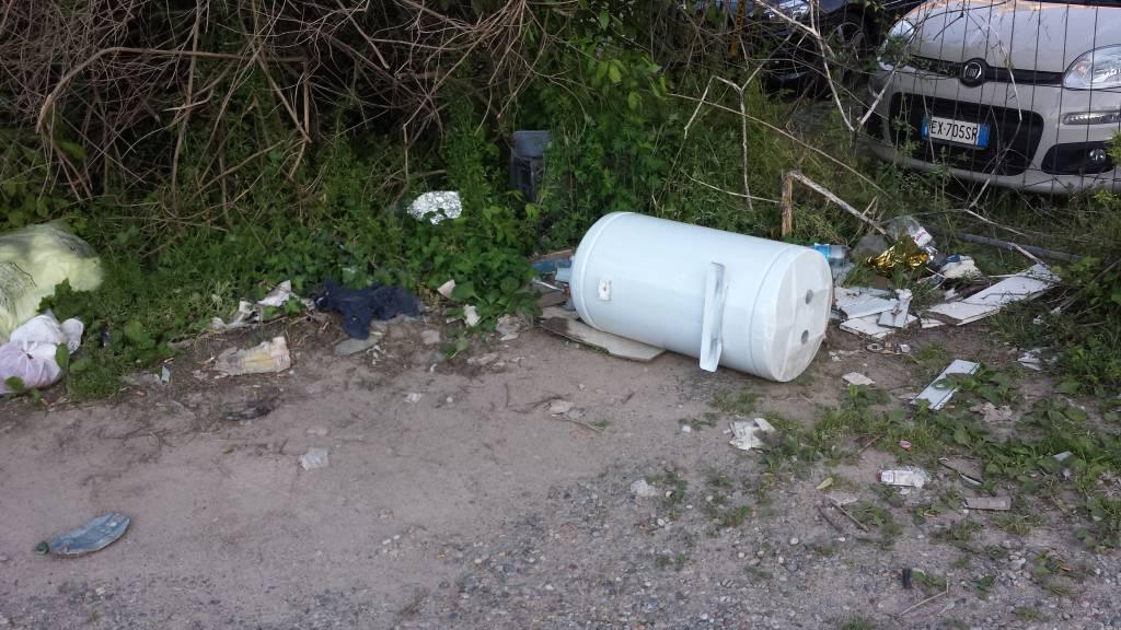 Parcheggio degradato in centro a Busto Arsizio