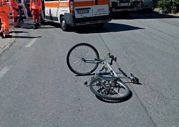 Ciclista investito a Daverio