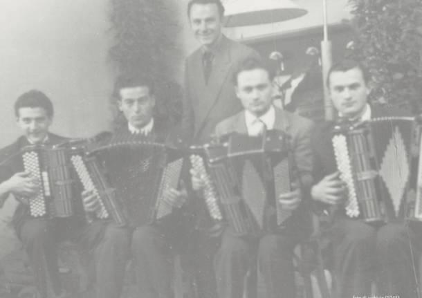 dancing salone Cassano Magnago musica generica fisarmonica