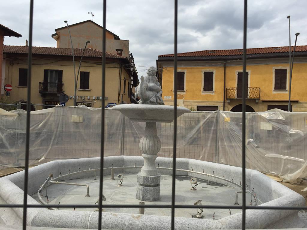 Gavirate lavori fontana
