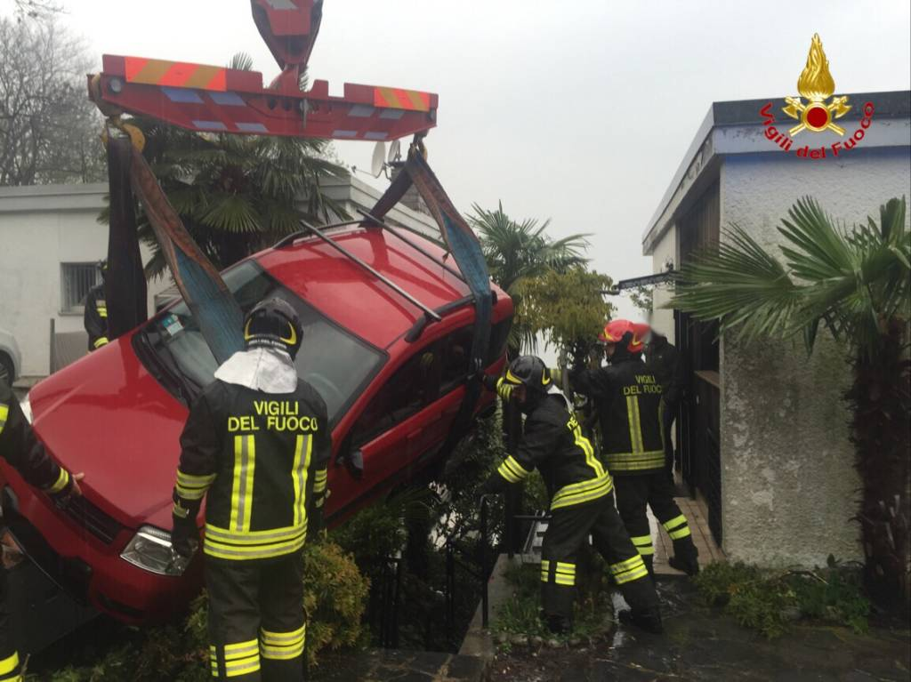 incidente stradale Germignaga domenica 17 aprile