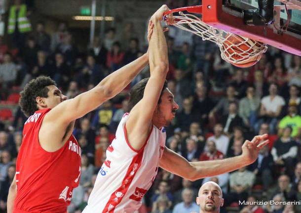 Openjobmetis Varese - Giants Anversa 105-93