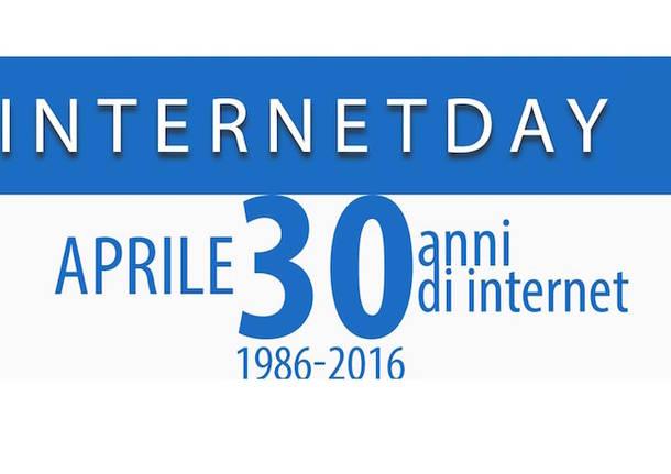 Pisa, scontri e cariche alle#39;Internet Day tra agenti e manifestanti anti Renzi