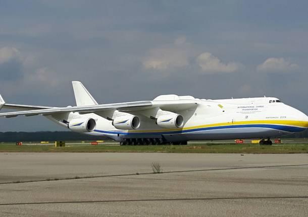 Aereo Privato Piu Grande Al Mondo : L aereo più grande del mondo è tornato a malpensa
