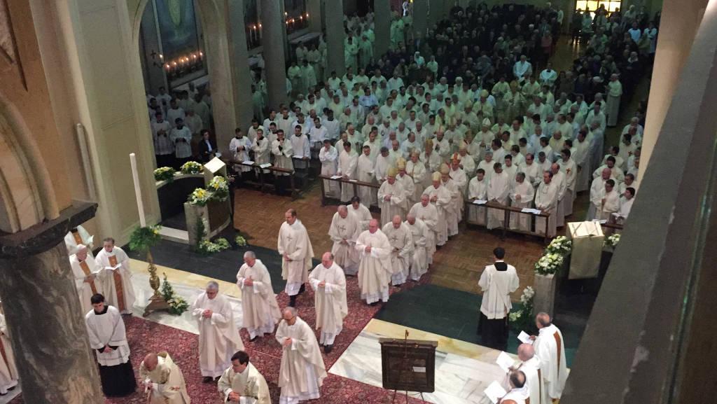 Festa dei fiori per i nuovi sacerdoti al Seminariondi Venegono