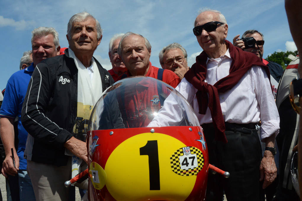 revival mv agusta in onore di john surtees e arturo magni