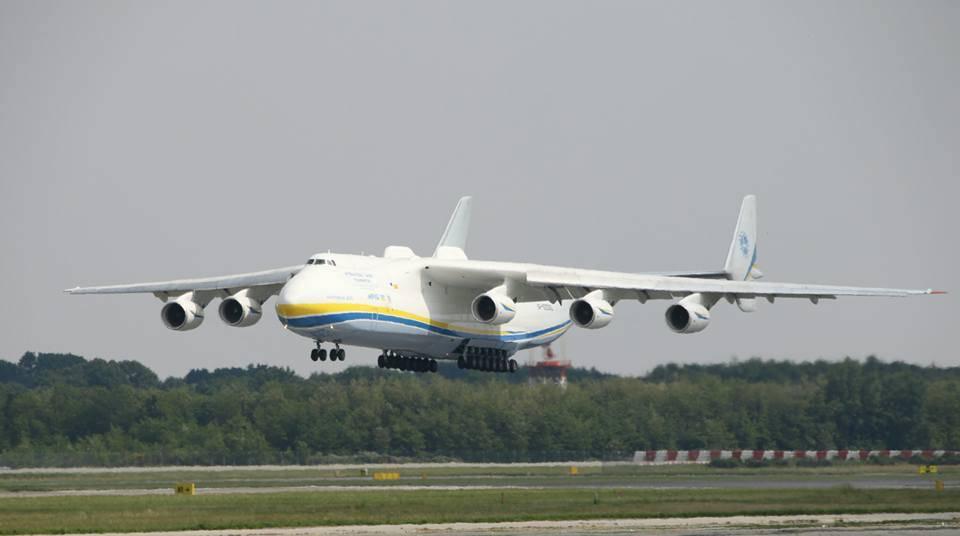 L'Antonov negli scatti dei ragazzi di Malpensa Spotters Group